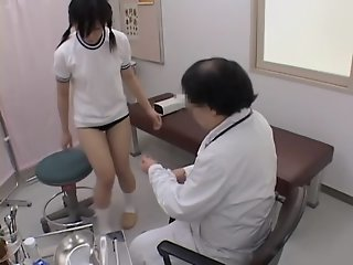 Teen gets her pussy examined..