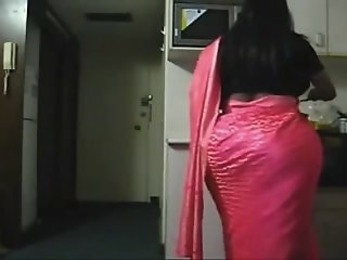 Spying Indian Aunty in the..