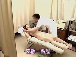 Chubby masseur fucks a hot..