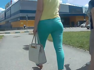 Mature tight ass in green..