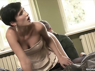 MAGMA FILM Sexy Milf wants..