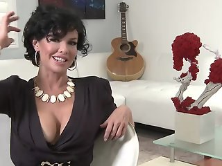 Squirting Nylon Milf